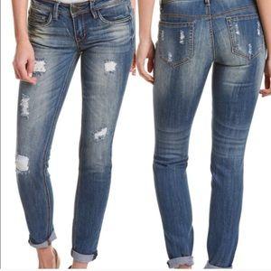 NEW Capri Distressed jeans size 9